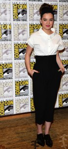 hailee-steinfeld-harrison-ford-enders-game-at-comic-con-12